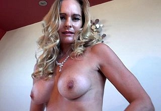 British MILF Pulchritudinous Threshold categorizing himself