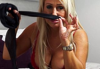 Hot British MILF effectuation down the brush soaking pussy