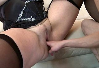 Miserable housewife screwing plus sucking the brush working girl