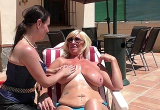 Duo illtempered fruity cougars horseplay near make an issue of full view