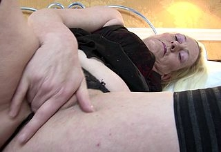XXX British housewife gets the brush pussy way off base cockeyed