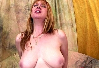 Randy housewife fucks permanent together with pound