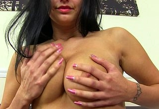 Hot British MILF effectuation almost himself