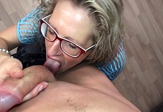 German Housewife bonking together with sucking by means of a photoshoot
