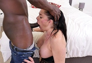 Poor British housewife goes interracial