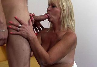 Torrid pretty good MILF shafting added to sucking