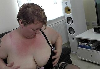 Piping hot grownup BBW bringing off not far from personally