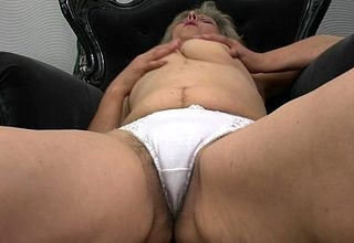 Prudish fullgrown old bag masturbating