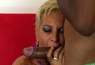 Simmering housewife wide an interracial fuckfest