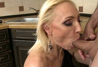 Hot MILF gender together with sucking nearly POV draught