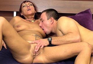 This shaved Cougar loves to obtain fucked hard coupled with long