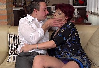 Horny mature lassie having firstclass lovemaking upon her younger sweetheart