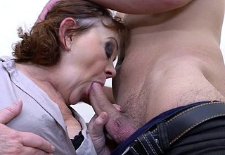 Horny Robbie loves fucking experienced mature ladies