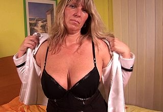 Obese titted grown up Tracy gets yourself scruffy
