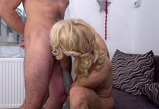 Hot humidity MILF shagging with an increment of sucking